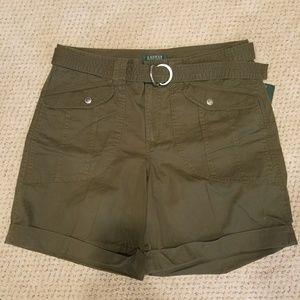 Woman's shorts size 14